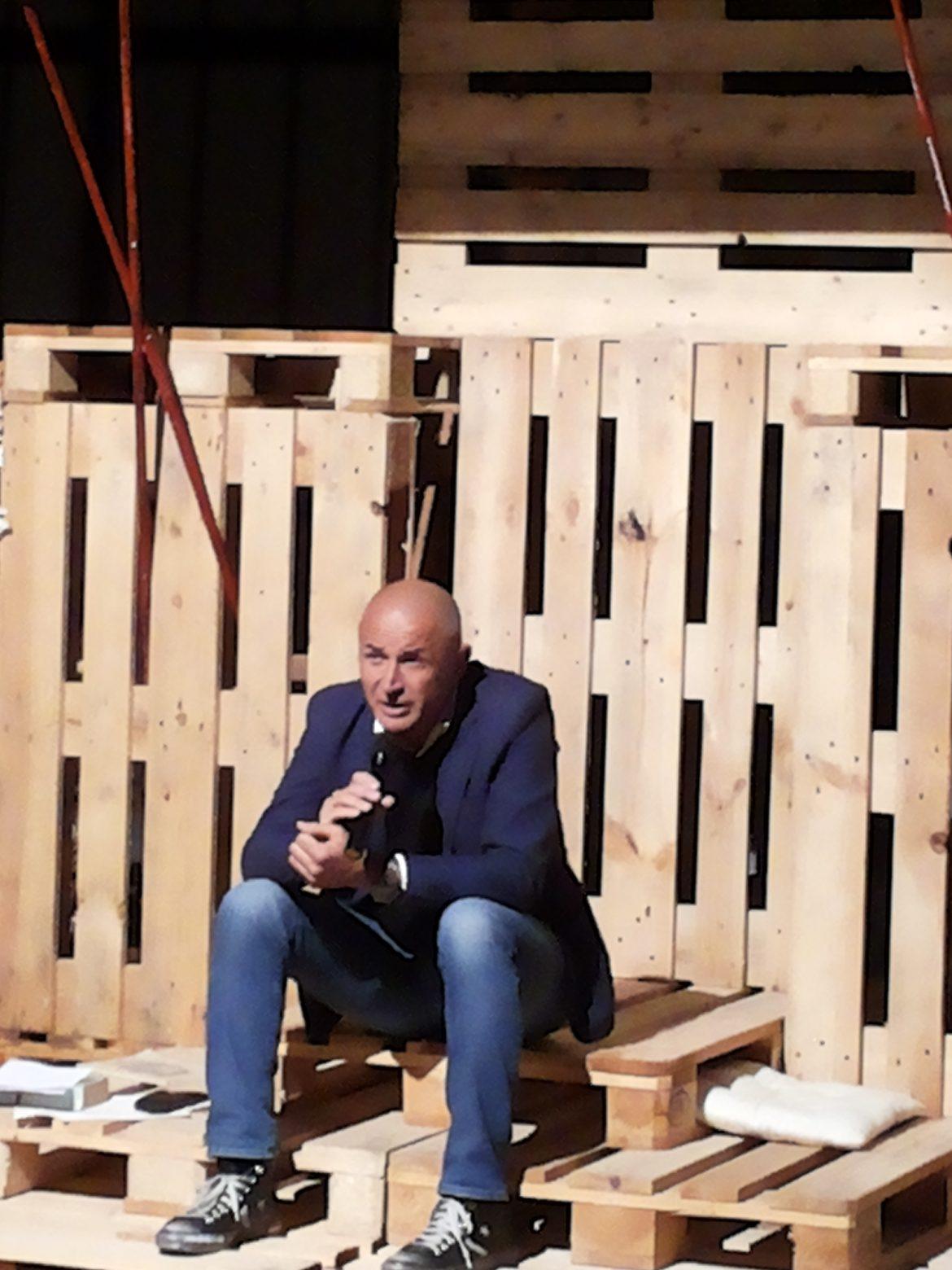 Il giornalista Domenico Iannacone