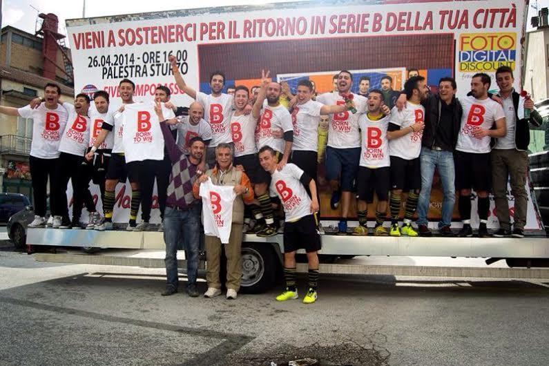 Photo of Calcio a 5, per la Win Adv Campobasso una cavalcata trionfale e l'approdo in serie B (guarda la fotogallery)