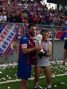 I 'due capitani' del Campobasso: Minadeo e Corradino con la Coppa Italia