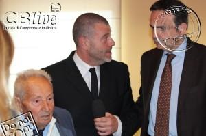 Giulio Golia de 'Le Iene' tra Cappussi e Frattura