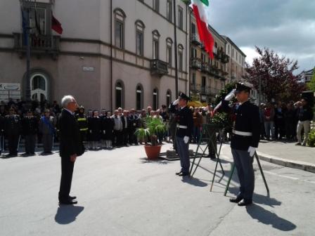 Photo of Campobasso, austerity per la Festa della Repubblica. Prima uscita in fascia tricolore per il neo sindaco Battista