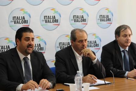 Photo of Di Pietro – Messina: tra pochi giorni la resa dei conti. L'ex Pm pronto a far pesare l'ottimo risultato raggiunto alle scorse amministrative per riprendere le redini del partito
