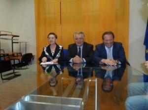L'ex Governatore Michele Iorio tra Angela Fusco Perrella e Nicola Cavaliere