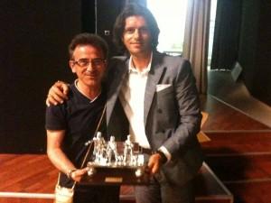 La premiazione di Cosco, accompagnato a Potenza dall'amico e giornalista Pasquale Licursi