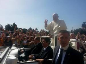 Papa Francesco arrivato al Romagnoli