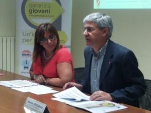 L'Assessore regionale al Lavoro, Michele Petraroia e il Dirigente, Alberta De Lisio