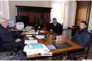 I consiglieri nazionali dell'Ordine dei Giornalisti, Enzo Cimino e Cosimo Santimone, il giorno in cui incontrarono il Prefetto di Campobasso, Francescopaolo Di Menna (foto tratta dal blog del fotografo Gino Calabrese)