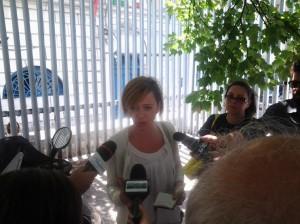 Il consigliere regionale Patrizia Manzo all'esterno del carcere di via Cavour a Campobasso