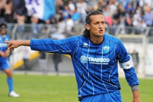 Giorgio Marinucci Palermo con la maglia del Matera. In homepage con la divisa della Fermana