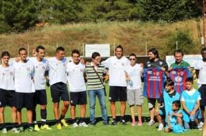 Il Campobasso posa insieme ai responsabili dell'Unicef