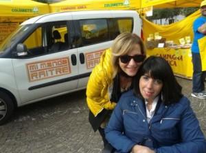 Gabriella e sua madre Maria dopo la diretta di Mi manda Rai Tre in piazza Municipio a Campobasso