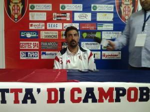 L'allenatore del Campobasso, Francesco Farina
