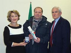 Raffaele Di Gioia insieme al presidente del Cip Molise, DOnatella Perrella, e al Delegato del Coni di Campobasso, Antonio Rosari