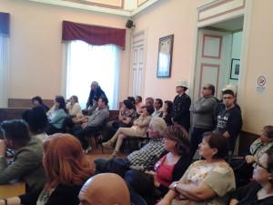 Il pubblico presente a Palazzo San Giorgio e che sperava si discutesse l'ordine del giorno sulle biomasse