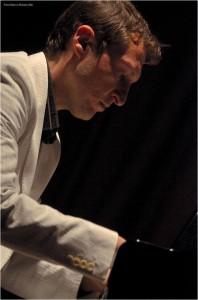 Il pianista Simone Sala
