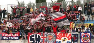 I 400 tifosi del Campobasso a Macerata (foto da www.cronachemaceratesi.it)