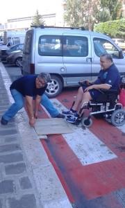 Lo scivolo mobile e artificiale, realizzato da Donato Mignogna, per consentire ad Antonio Tartaglia di vivere il suo quartiere
