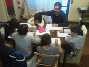 Il giornalista Giuseppe Formato dà i consigli per scrivere un articolo e viene intervistato dagli alunni della 4^ E