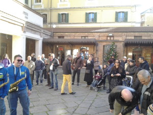 L'attore Marton Csokas assiste all'esibizione di Simone Sala