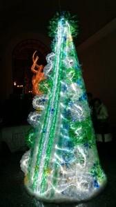 L'albero di Natale realizzato dagli studenti del Liceo Artistico con la collaborazione di 'Campobasso Insieme'
