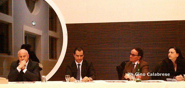 La presentazione del calendario di Telemolise: Antonio Di Lallo con Quintino Pallante, il sindaco Antonio Battista ed Erica Mastropietro