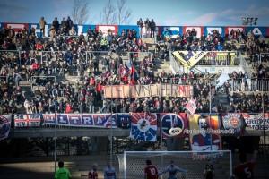 Lo striscione di incoraggiamento per Cosco esposto dai tifosi del Campobasso (foto Andrea Pietrunti)