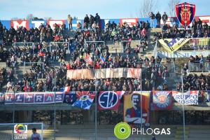 Lo striscione esposto dai tifosi del Campobasso (foto di Riccardo Coccaro, sito ufficiale club)