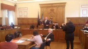 Il sindaco Antonio Battista durante l'intervento in aula nel corso dell'assise di venerdì 6 febbraio 2015