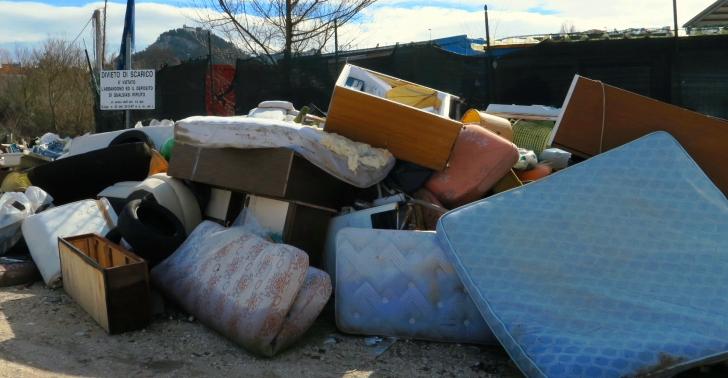 Photo of Una raccolta rifiuti straordinaria a Campobasso per eliminare le discariche a cielo aperto, opera di cittadini con poco senso civico