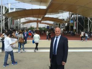 Il sindaco Antonio Battista all'Expo 2015