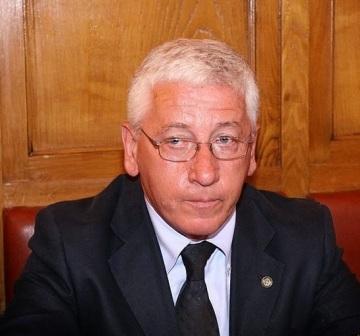 Photo of Politica cittadina in lutto per la scomparsa dell'ex consigliere comunale Michele Ambrosio