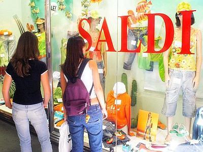 """Photo of Saldi estivi, Adoc Molise: """"Flessione di vendite del 35%. Tempi maturi per liberalizzazione"""""""