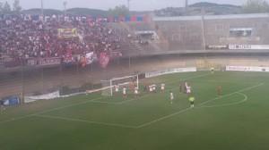 Un'azione di Campobasso - Sambenedettese 0-1 sotto la Curva Nord 'Michele Scorrano'