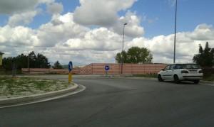 L'area recintata per l'inizio dei lavori a via IV novembre