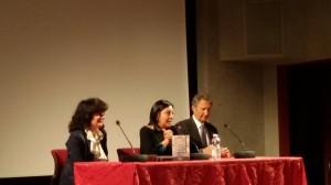 Le docenti Simonetta Tassinari e Adele Fraracci con l'ambasciatore Emilio Barbarani