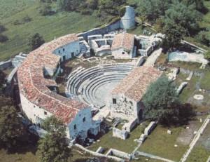 Una veduta aerea di Altilia (foto archeologicamolise.beniculturali.it)