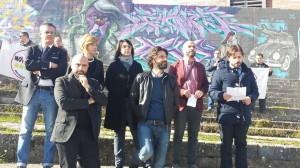 Gli esponenti del Movimento 5 Stelle in conferenza stampa allo stadio 'Vecchio Romagnoli'