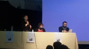 L'assessore de Capoa con la Dirigente scolastica Battista e il giornalista De Chiara