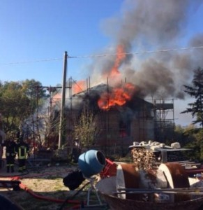 L'incendio divampato a Baranello