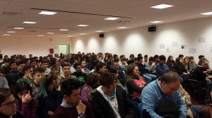 """Gli studenti del Liceo Scientifico """"Alberto Romita"""" durante la lezione di Iannacone"""