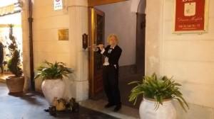 Klaus Peter Diehl durante la sua esibizione a Campobasso in Corso Vittorio Emanuele