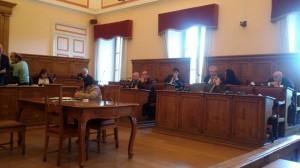 L'assise civica durante la discussione sulla sanità