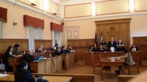 L'assise comunale durante la discussione sulla sanità