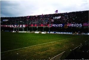 La tifoseria del Campobasso durante la sfida col Taranto del 13 marzo 2001