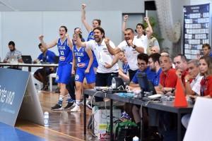 Mimmo Sabatelli sulla panchina dell'Italia Under 20 femminile di pallacanestro