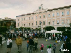 Entusiasmo in Piazza Municipio per l'evento 'la Chami in piazza'