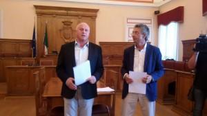 Il sindaco Battista e l'assessore Maio