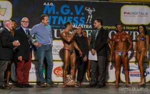 Il vincitore Giuseppe Fusco premiato dal governatore Frattura