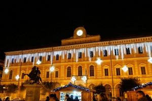 Palazzo San Giorgio illuminato per il 'Natale In...Cantato'