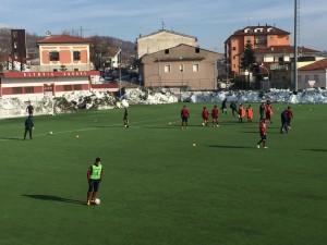 L'Agnonese durante il riscaldamento prima del match col Romagna Centro